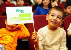 Pınar, Dünya Tiyatro Günü'nü Çanakkale'de Kutlayacak 95